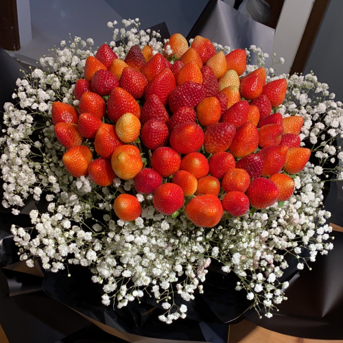 33 Strawberry Bouquet
