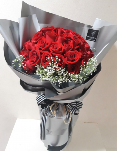 Large Premium Roses Bouquet