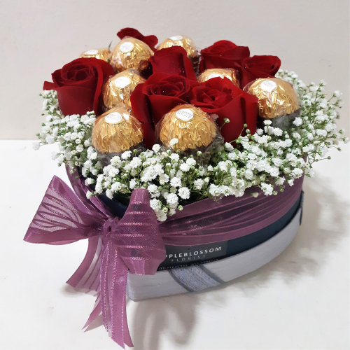 Gorgeous Roses Chocolate Love Shape Flower Box