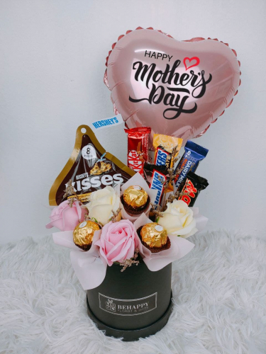 Soap Roses With Mixed Choc in Box MD18 (Mother's Day 2021)