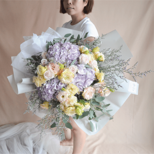 Extravagant Fresh Flower Bouquet