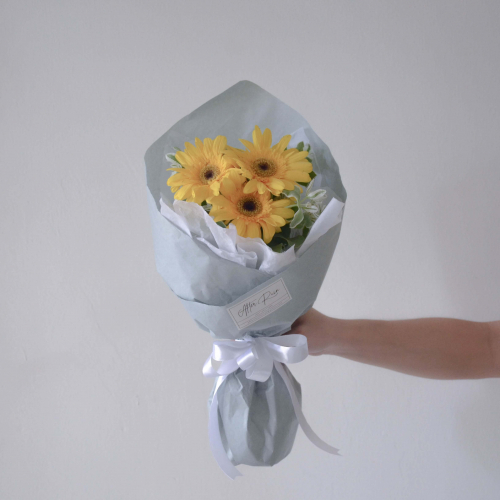Amiable Fresh Flower Bouquet