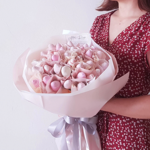 Strawberry Love Chocolate Dip Bouquet