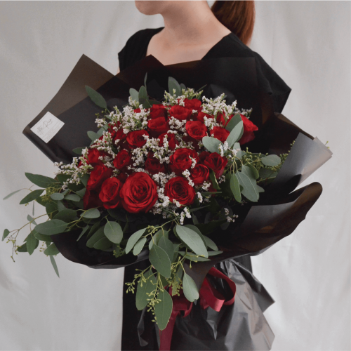Perfect Match Red Rose Fresh Flower Bouquet