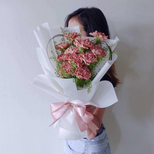 Hearty Carnation Flower Bouquet