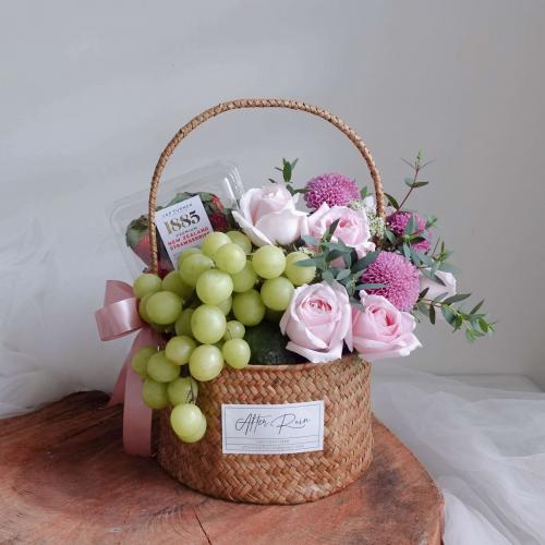 Rosa Fruit & Fresh Flower Basket
