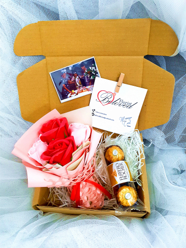 Soap Flower Bouquet With Ferrero Rocher ~ Nationwide (COURIER DELIVERY)
