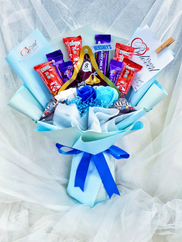 Mix Blue Soap Flower With Kitakat Cadbury M&m's Chocolate Bouquet