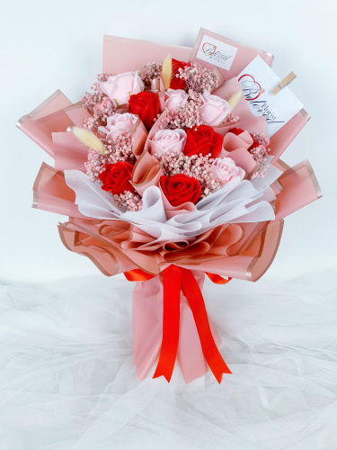 Red & Pink Soap Dried Flowers Bouquet
