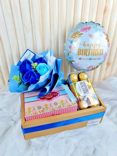 Soap Rose Bouquet With Ferrero Rocher Balloon in Box