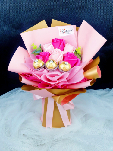 Cherry Pink With Ferrero Rocher Soap Bouquet (Valentine 2021)