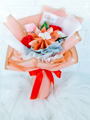 Soap Flower Bouquet With Balloon - MM004 (Mother's Day)