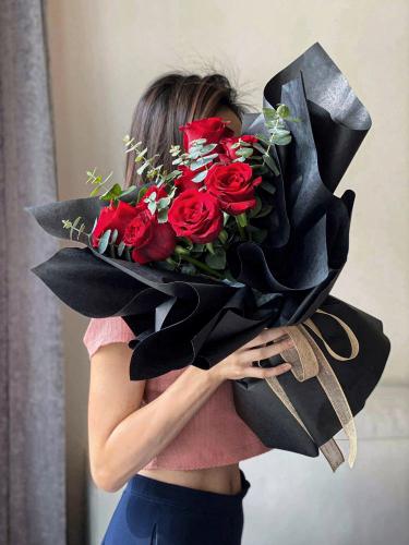 Roses Dark Romance
