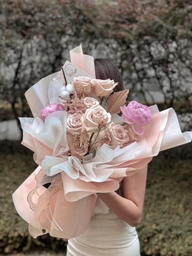 Premium Quicksand Pastel Bouquet