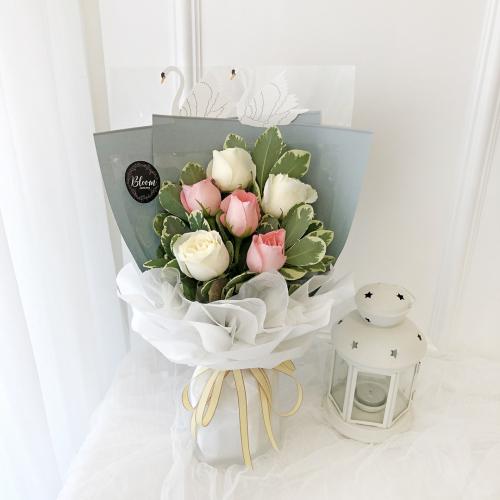 Korea Style 16 Flower Bouquet