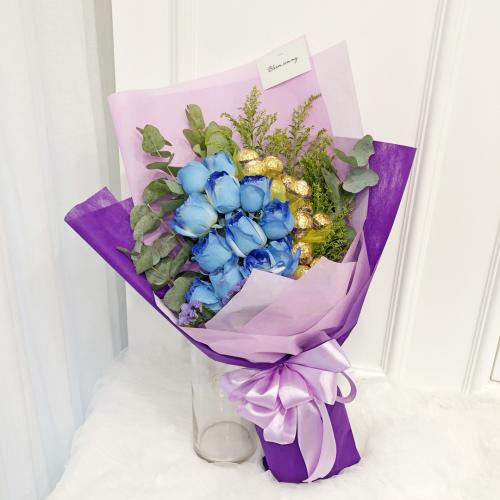 Flowers With Ferrero Rocher Hand Bouquet 04