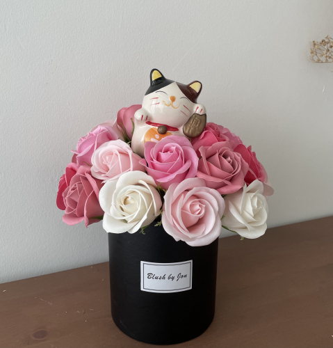 Soap Flower Box with Fortune Cat