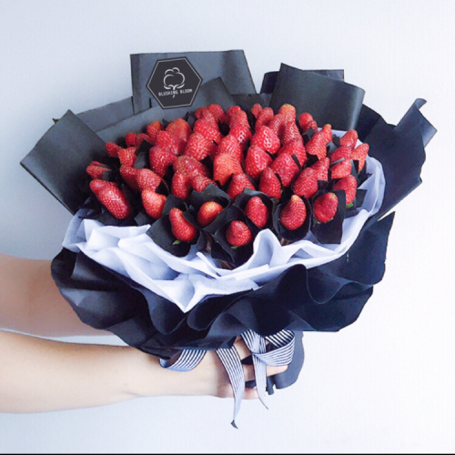 MERRY BERRY : STRAWBERRY BOUQUET