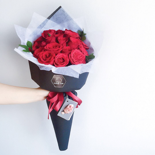 ENCHANTED SPELL : Roses Bouquet