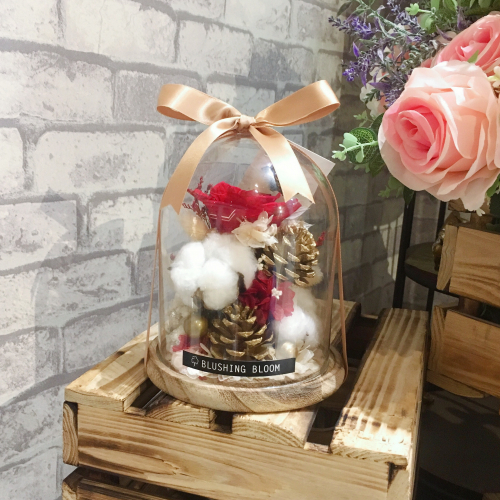 *SOLD OUT* SHINING CHRISTMAS 🌟 PRESERVED FLOWER GLASS DOME