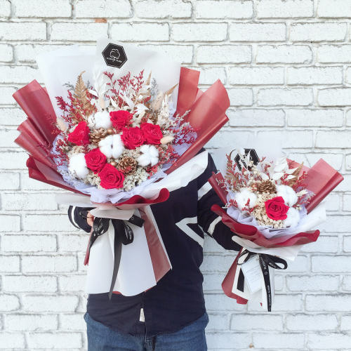 SHINING CHRISTMAS 🌟 PRESERVED FLOWER BOUQUET
