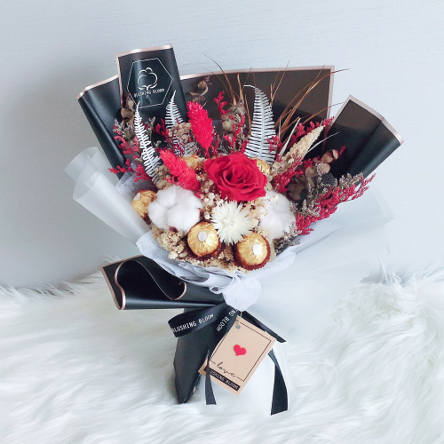CHOCO BELL : CHOCOLATE & PRESERVED FLOWER BOUQUET
