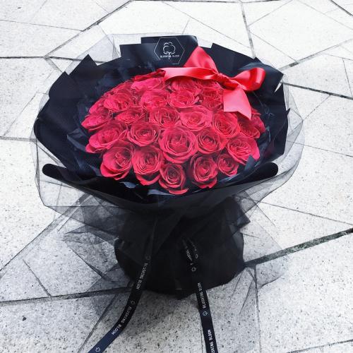 ETERNAL LOVE : 99 ROSES BOUQUET