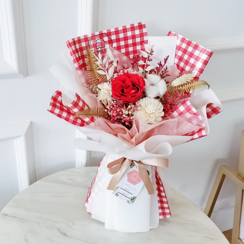 VALENTINE'S SPECIAL : FIRST KISS BOUQUET