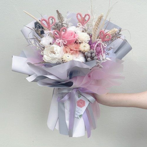 LOVEY : PRESERVED FLOWER BOUQUET