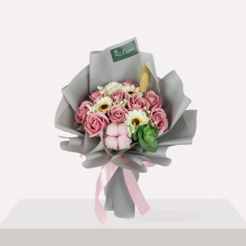 Braulia Soap Flower Bouquet