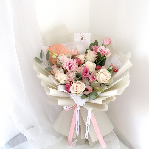 Sweet Mixed Roses Bouquet (L)