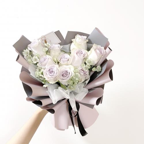10 Stalks purple roses