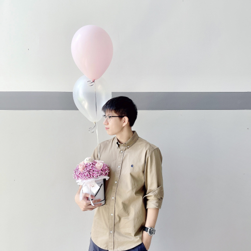 Baby Breath Mixed Roses + Helium Balloon (M)