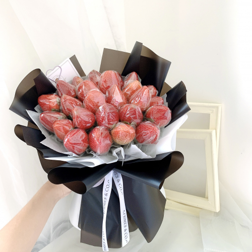 Strawberry Bouquet (M)