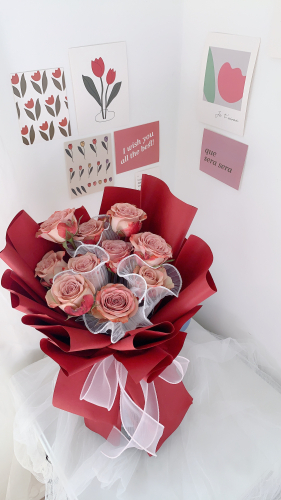 Wavey Cappuccino Roses