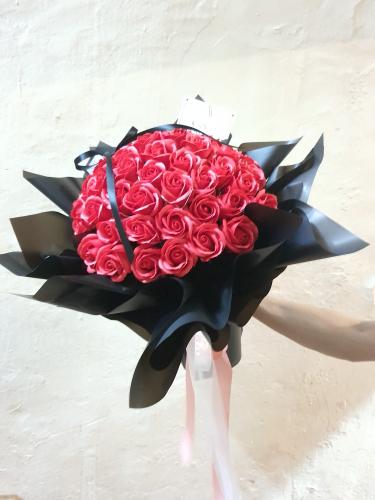 50 soap roses