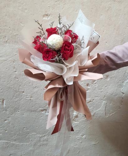 5 roses