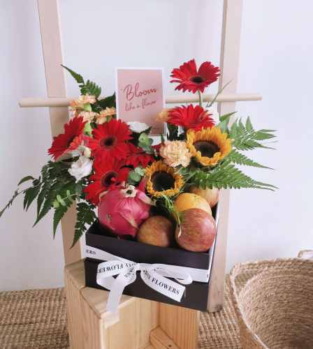 Signature Flower Fruit Box
