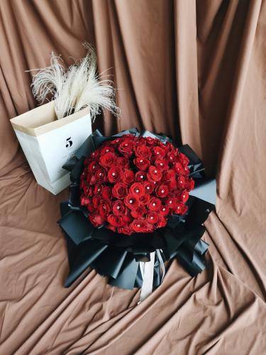 99 ROSES BOUQUET (Red Kenya Rose)