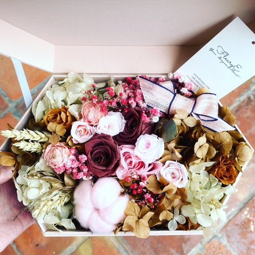 The Belle- preserved flowers box