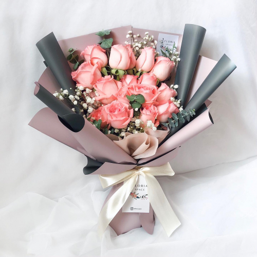 10 Pink Roses & Baby Breath & Eucalyptus