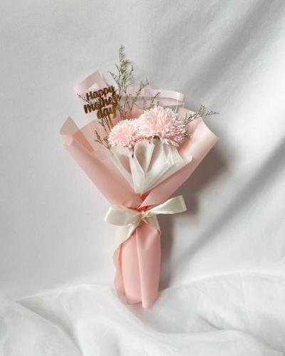YOONA: Soap Carnations