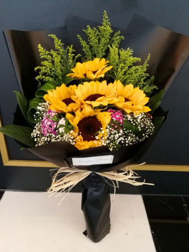 Duck-Sunflower bouquet