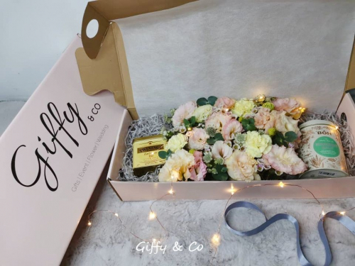 Giffy Pink Box Tea Set