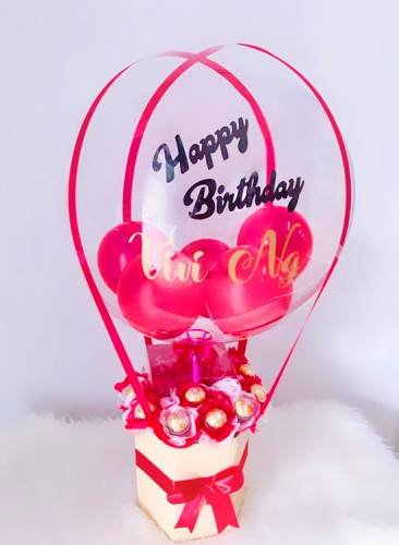 BB004 Hot Air Balloon With Chocolates & Cake (1 Slice)
