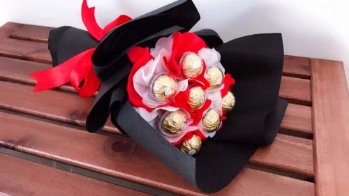 FR001 Ferrero Rocher Bouquet
