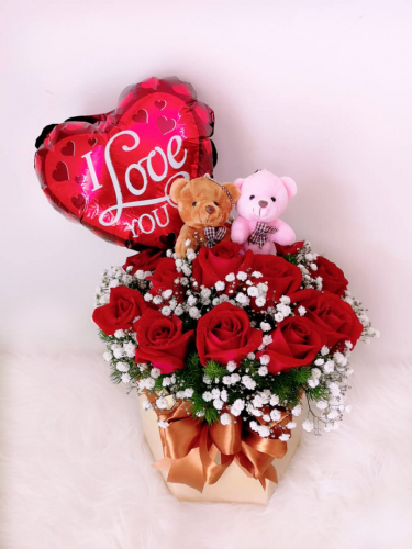 BB003 Red Roses & Balloon Bloom Box