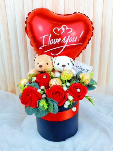 Couple Bear Soap Roses Ferrero Rocher With Balloon Box