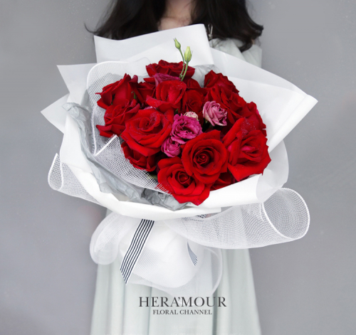 RED ROSE ROMANCE BOUQUET