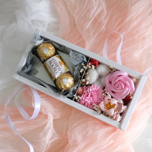 Scented Pink Gift Box (Soap Flower)